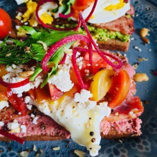 Healthy Beet Hummus and Avocado Toasties